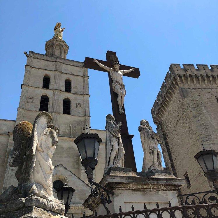 Jezus aan het kruis in Avignon